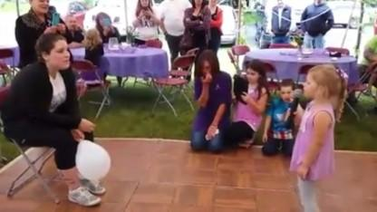 4-Year-Old Girl Sings For Her Cancer-Stricken Mom in Moving Video