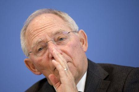 German surplus not problem for euro zone says Schaeuble