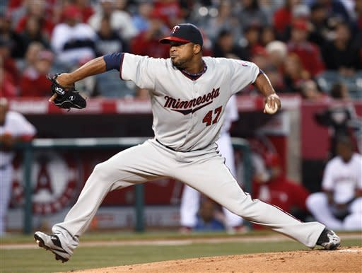 Williams pitches 3-hitter, Angels beat Twins 4-0