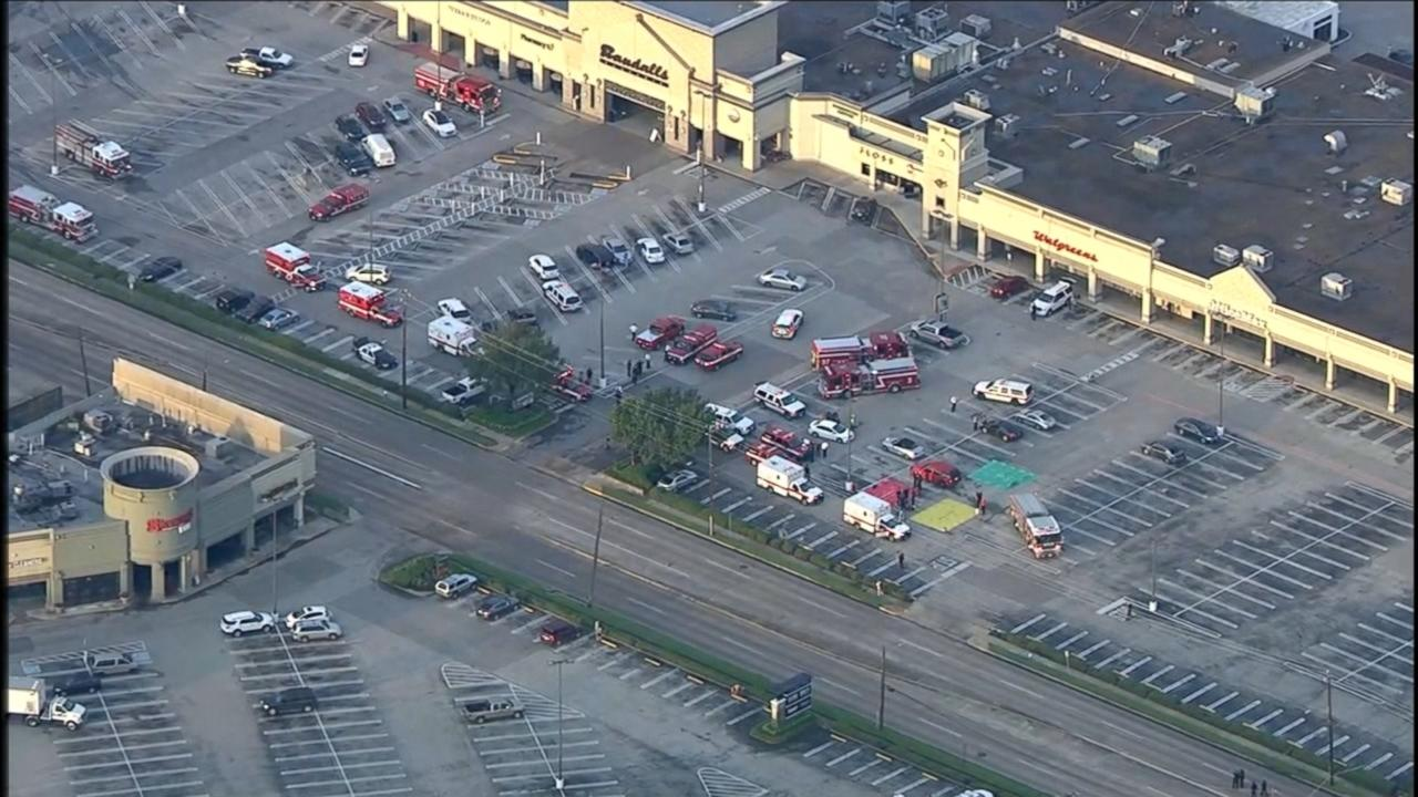 9 Wounded After Shooting in Houston Shopping Center