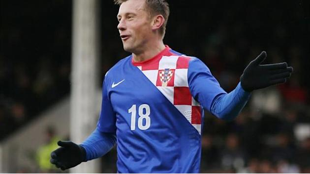 World Cup - Vintage Olic stakes claim for seat on Croatia's plane