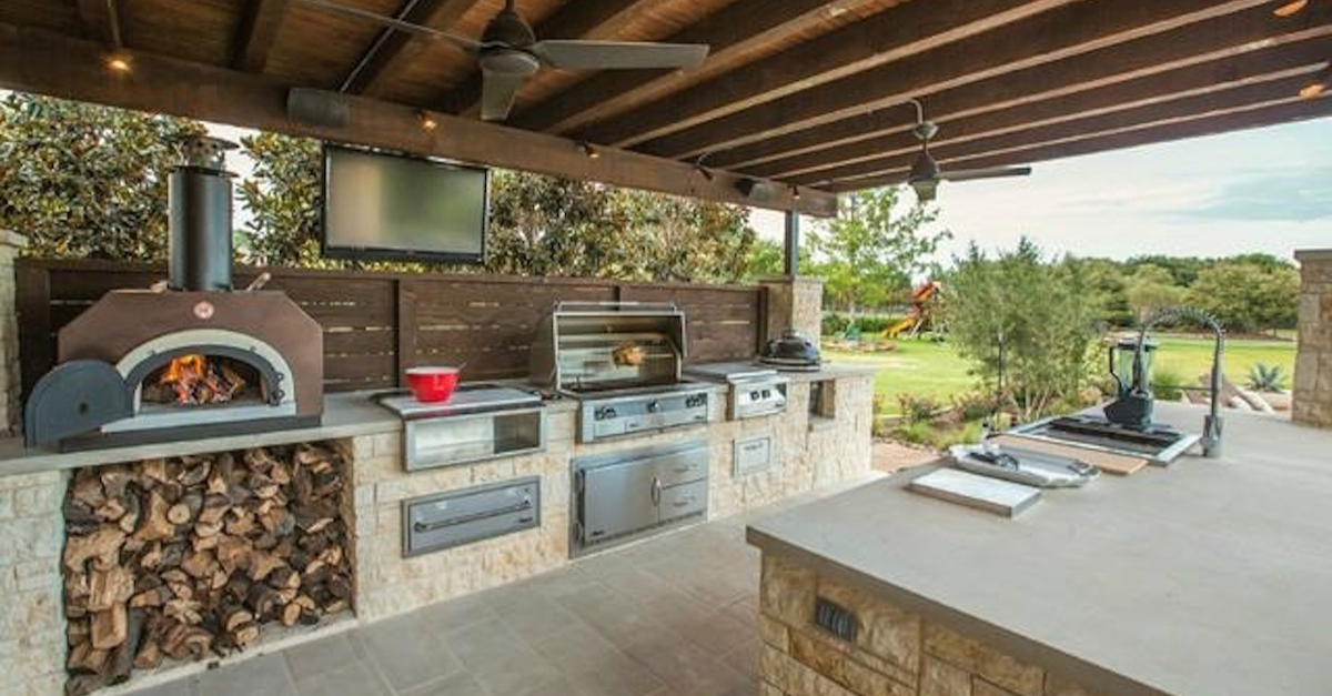 20 Incredible Outdoor Grill Setups