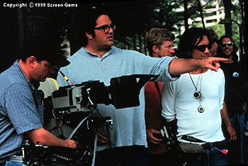 Director Mark Pellington on the set of Arlington Road