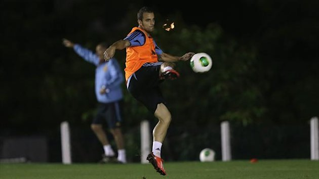 Roberto Soldado at a training session (Reuters)