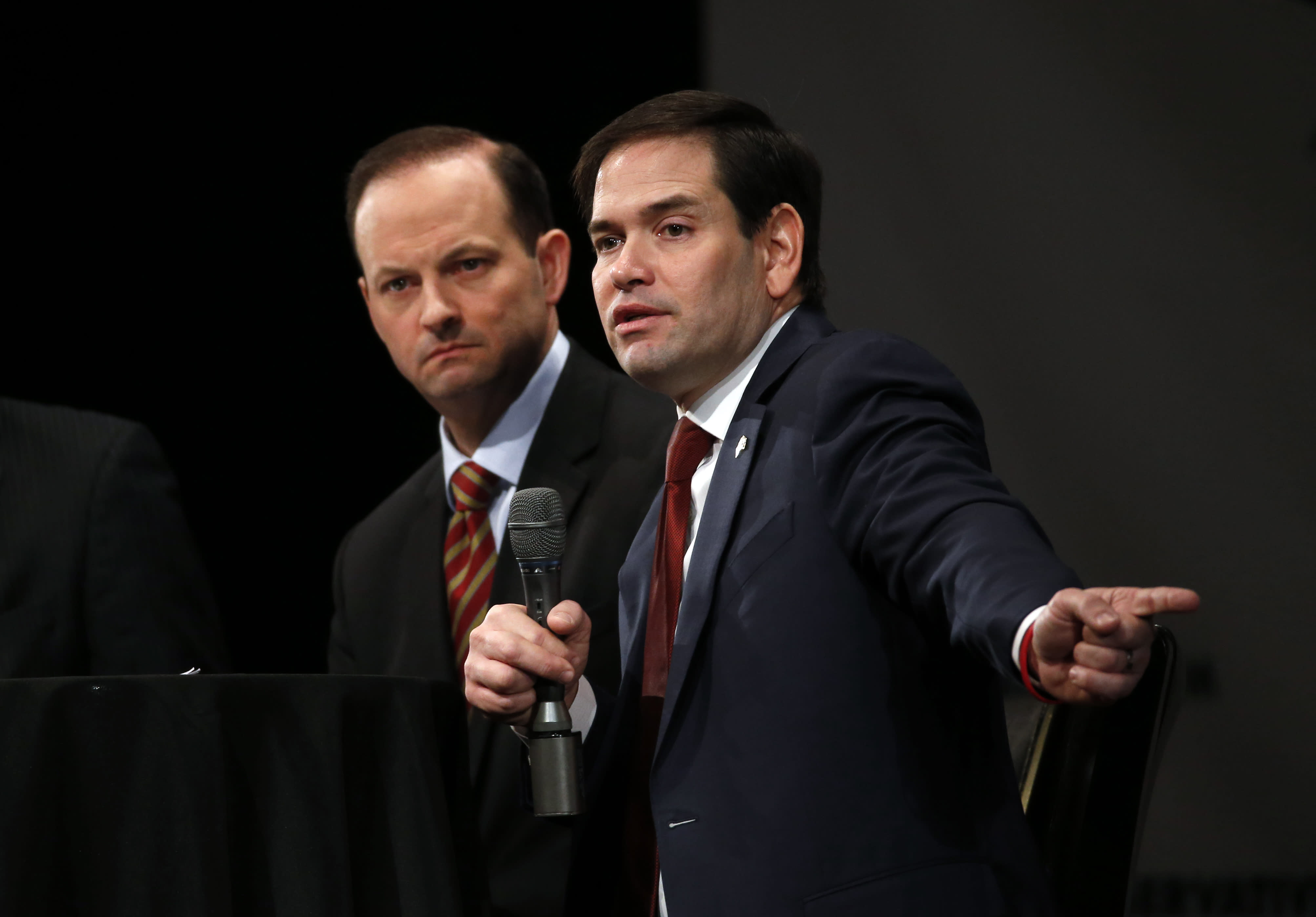 Fight night: Personal attacks, court debate for GOP hopefuls