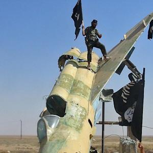 Islamic State Training Pilots in Military Jets, and More