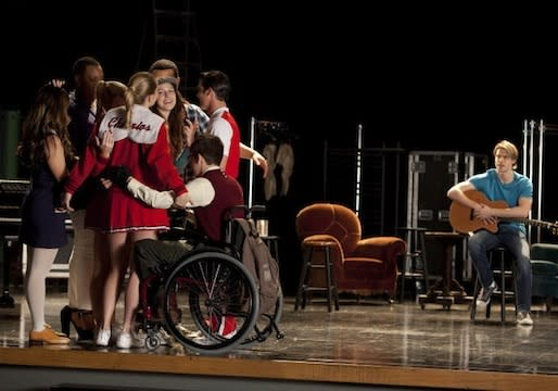 Glee Preview: 10 Scoopy Tidbits From This Week's Harrowing 'Shooting Star' Episode
