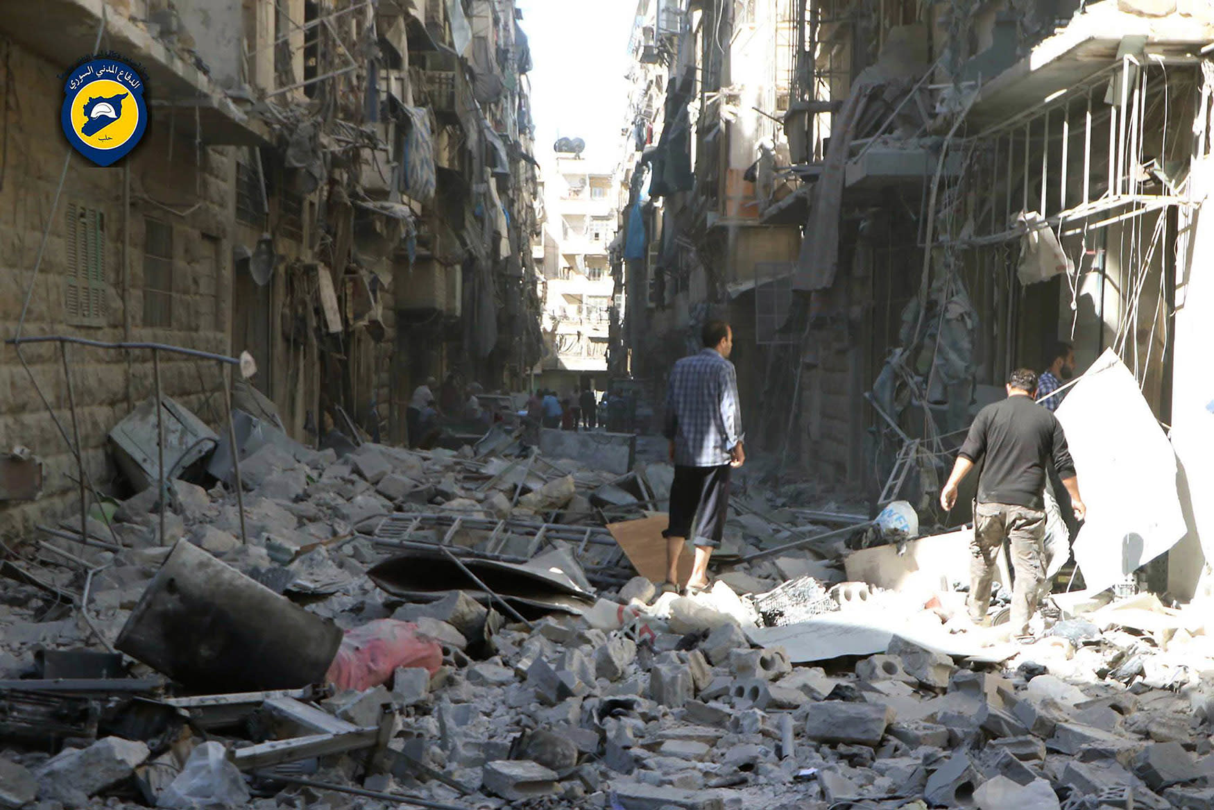 Warplanes pound Aleppo