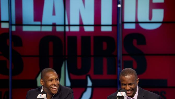 Raptors give coach Dwane Casey 3-year extension