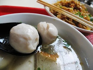 A dish to fondly remember -- fish ball noodle. (Makansutra)