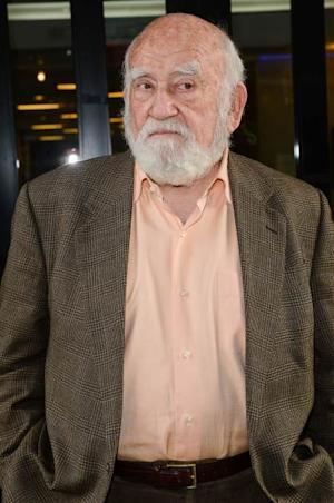 Ed Asner leaves the 'Good Day New York' taping at the Fox 5 Studios on November 20, 2012 -- Getty Images