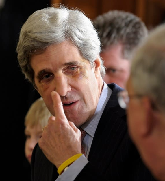 John Kerry Debuts a Broken Face