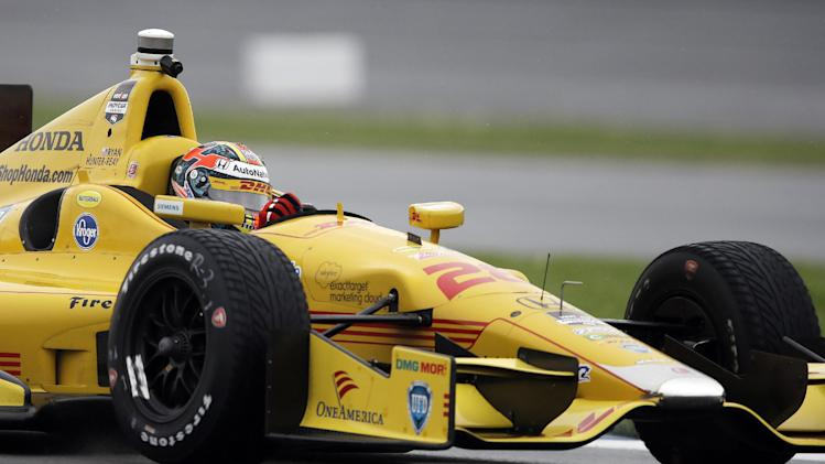Saavedra wins 1st pole after Hunter-Reay crash