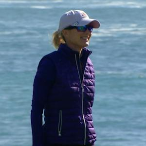 Julie Frist drops in 20-footer for birdie at AT&T Pebble Beach