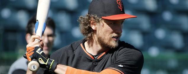 Giants' Hunter Pence out with a broken arm