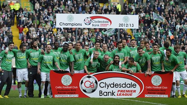 The Celtic team celebrate their victory against Inverness Caledonian Thistle during their Scottish Premier League soccer match at Celtic Park Stadium in Glasgow, Scotland April 21, 2013 (Reuters)
