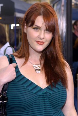 Premiere: Sara Rue at the Los Angeles premiere of Twentieth Century Fox's I, Robot - 7/7/2004 
