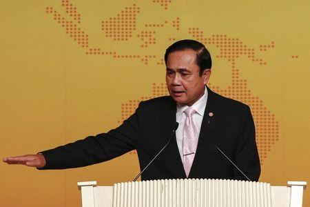 Thai junta lifts martial law, but retains broad powers