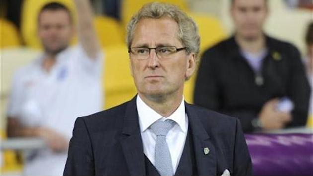 World Cup - Sweden extend coach Hamren's contract until 2016
