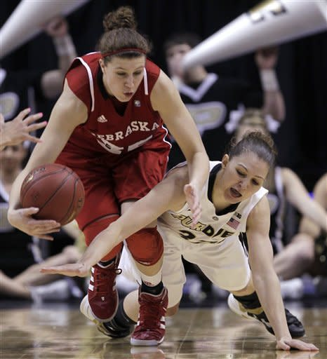 Houser leads Purdue past Nebraska in Big Ten final