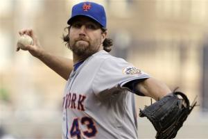 Mets ride Dickey to 3-2 win over Pirates