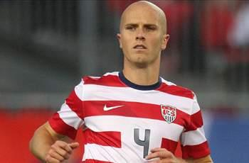 Michael Bradley sticks with USA despite injury