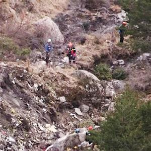 Crews search for remains of those on board Germanwings Flight 9525