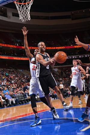 Spurs cruise to easy win over 76ers