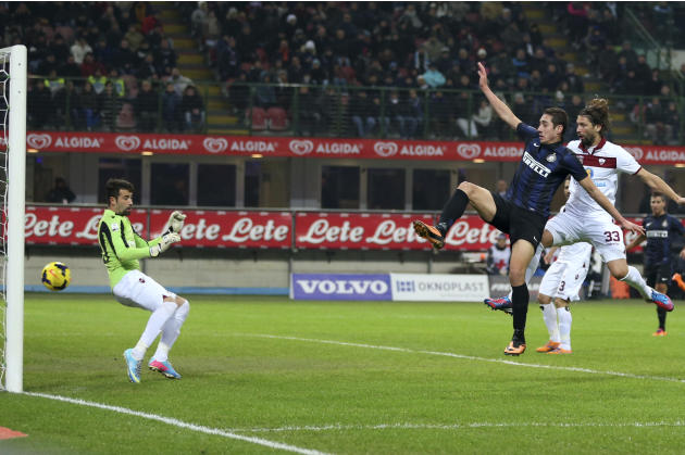 Inter Milan forward Ishak Belfodil, second from right, of Algeria, scores a goal during the Italian Cup soccer match between Inter Milan and Trapani at the San Siro stadium in Milan, Italy, Wednesday,