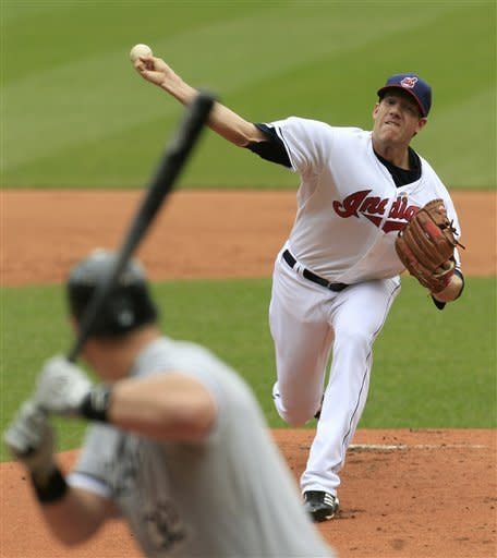 Indians sweep pair from White Sox