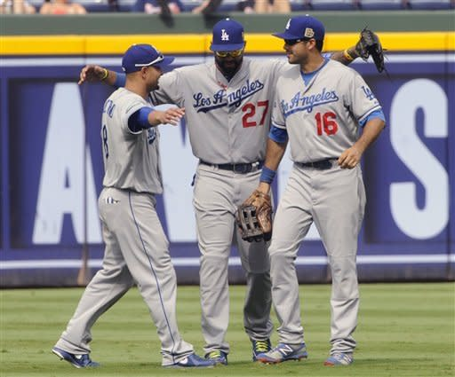 Billingsley wins again as Dodgers beat Braves 5-0