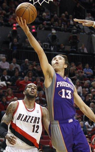 Aldridge leads Blazers past Suns 109-71