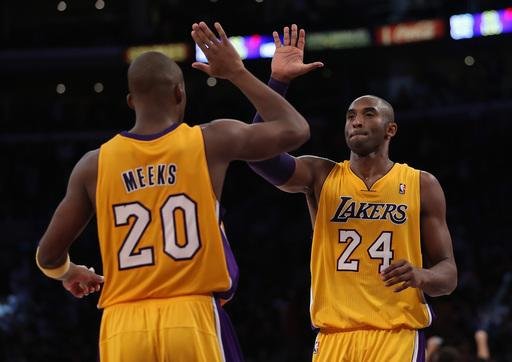 Lakers hand Bobcats 12th straight loss, 101-100
