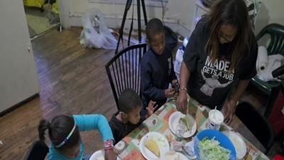 Anxiety As Stimulus Hike in Food Stamps Ending