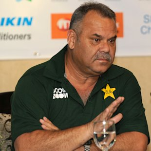 Whatmore eyes World Cup after Pakistan flop