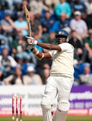 Thisara Perera hit a half-century as Sri Lanka established a solid lead against Pakistan