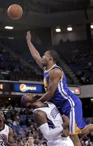 Warriors beat Kings after agreeing to trade