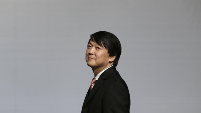In this photo taken Sept. 19, 2012, Ahn Cheol-soo, the founder of South Korea's largest antivirus maker AhnLab, arrives for a press conference in Seoul, South Korea. As a bookish academic who made his fortune in software before turning to philanthropy, Ahn, 50, has been called South Korea's Bill Gates. Now that he's running for office with a Barack Obama-like message of change that appeals to the nation's young and hopeful, Ahn is looking for a new title: Mr. President. (AP Photo/Lee Jin-man)