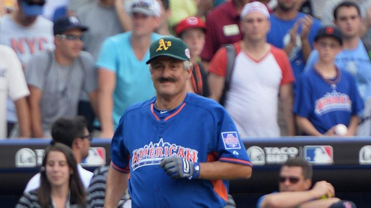 Taco Bell All-Star Legends & Celebrity Softball Game