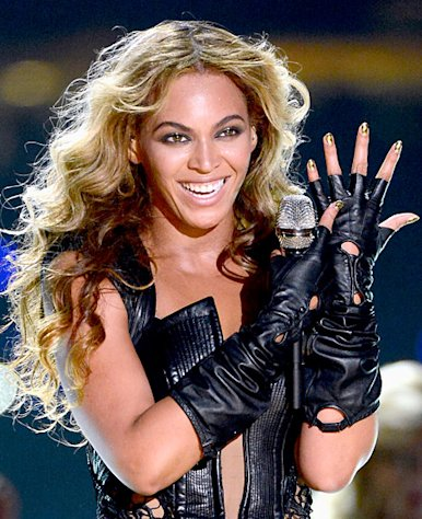 Beyonce&#39;s Super Bowl Minx Nail Design: All the Details and Behind the Scene Pictures!