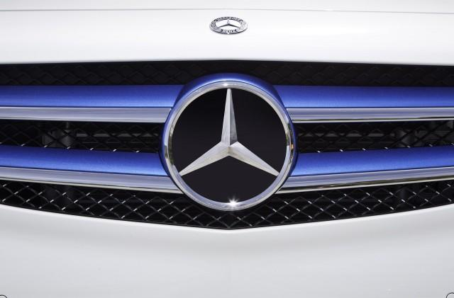 Mercedes Follows Tesla, Will Offer Home Energy Storage Batteries Too