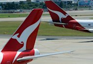 An engine oil leak that forced a Qantas jet carrying British actor Stephen Fry to divert to Dubai was caused by pipe stress seen in a number of A380 jets worldwide, Australian officials said Tuesday