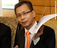 Tony Pua questions Iskandar RM1b rail project award