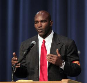 Holyfield reprimanded for comments on gays