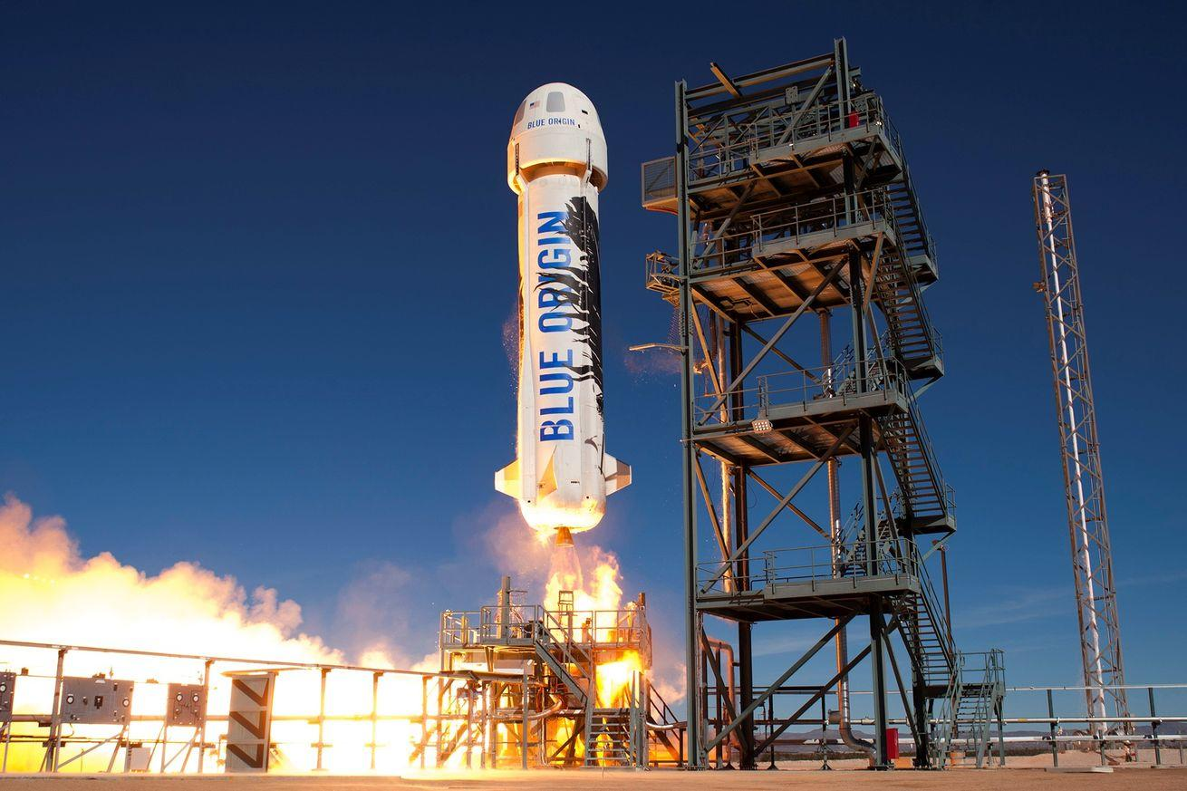 See what Blue Origin's rocket landing is like from the vehicle's point of view