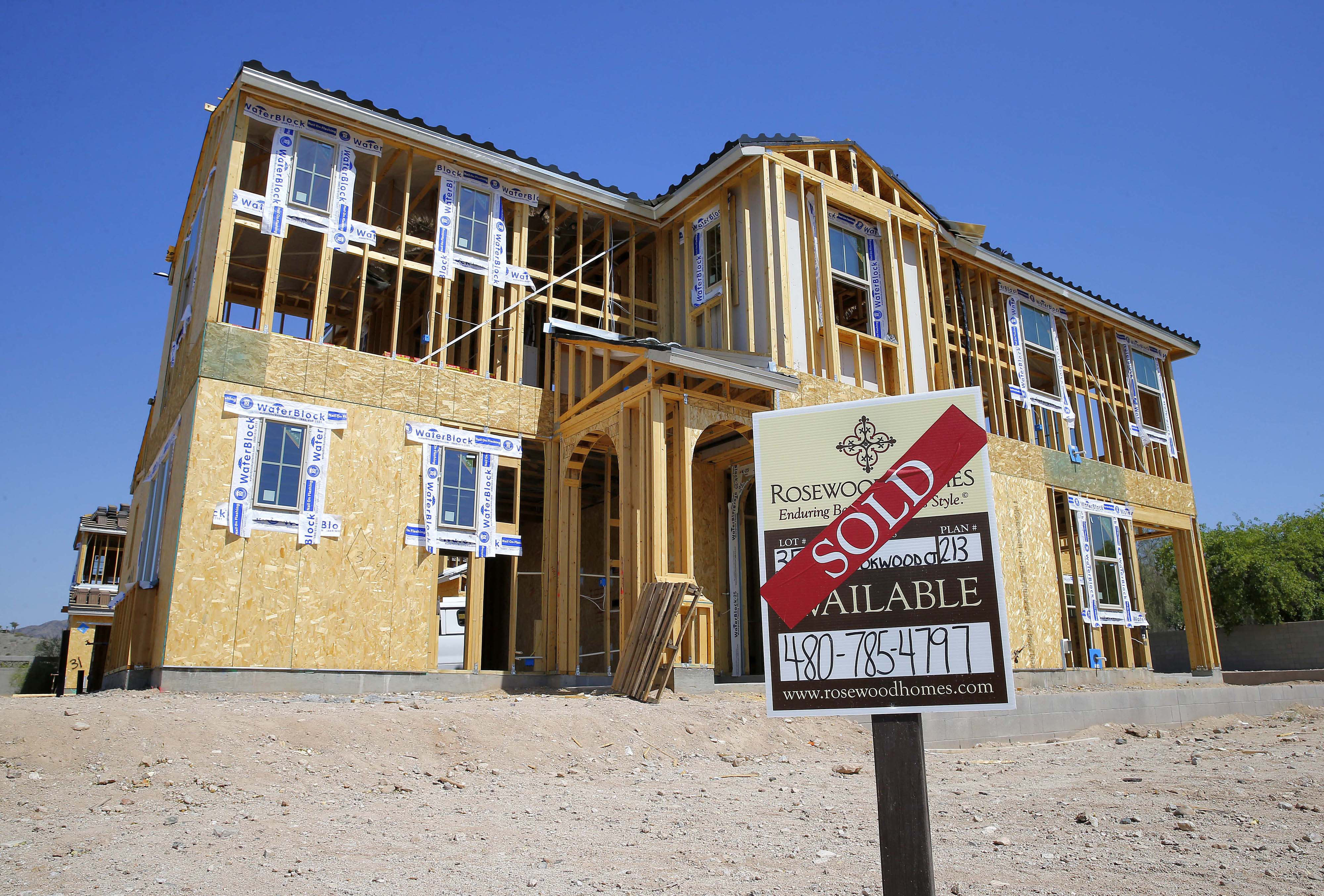 US homebuilder confidence, sales outlook slip in January