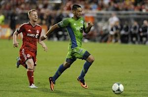 Monday MLS Breakdown: Clint Dempsey takes his first steps as a Seattle Sounders star