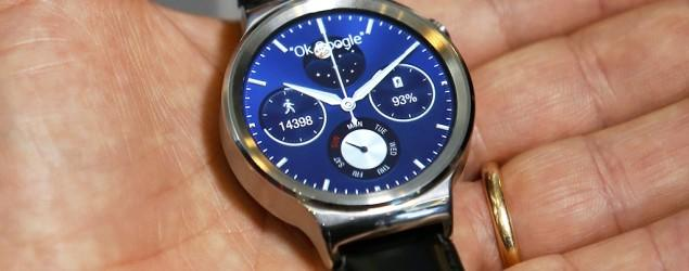 Smartwatch war with Apple kicks off in Barcelona
