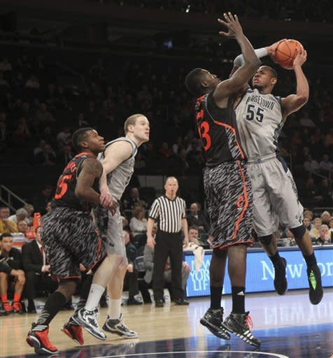 No. 5 Georgetown pulls away from Cincy at Big East