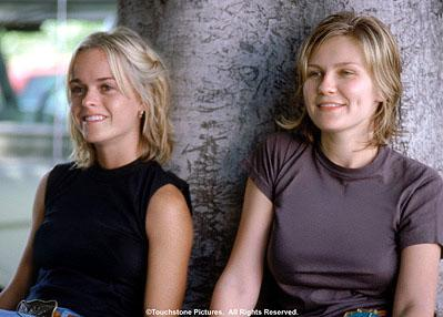 Taryn Manning and Kirsten Dunst in Touchstone's crazy/beautiful